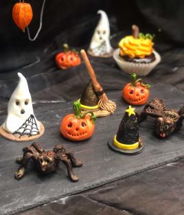 HELOVINO (Halloween) papuošimas (voras, raganos kepurė, moliūgas, vaiduoklis)
