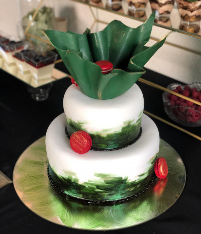 Šventinis tortas su makarūnais (macarons)