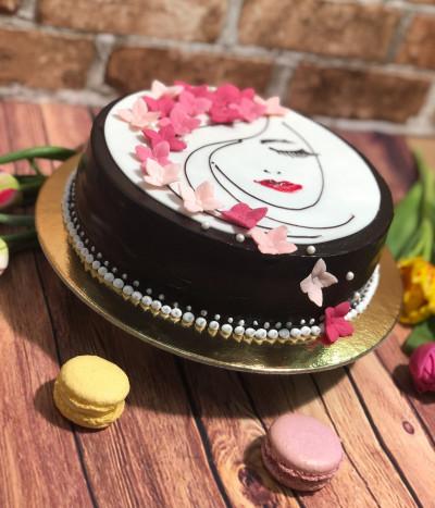 Moters dienos tortas su gėlėmis