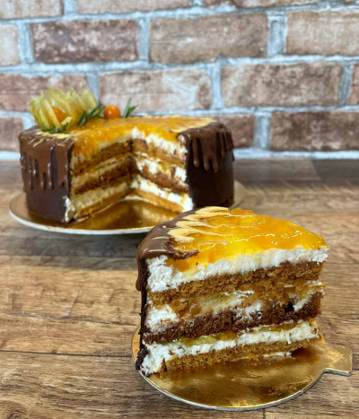 PERSIKINIS tortas