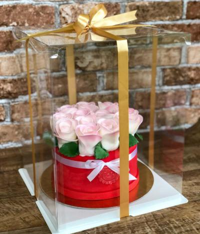 Dėžutė saldžiai dovanai