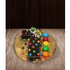 Tortas skaičius septynetas su saldainiais