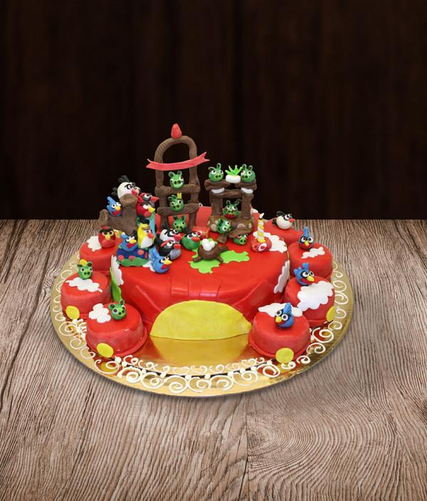 Tortas Angry Birds pyragaičiai
