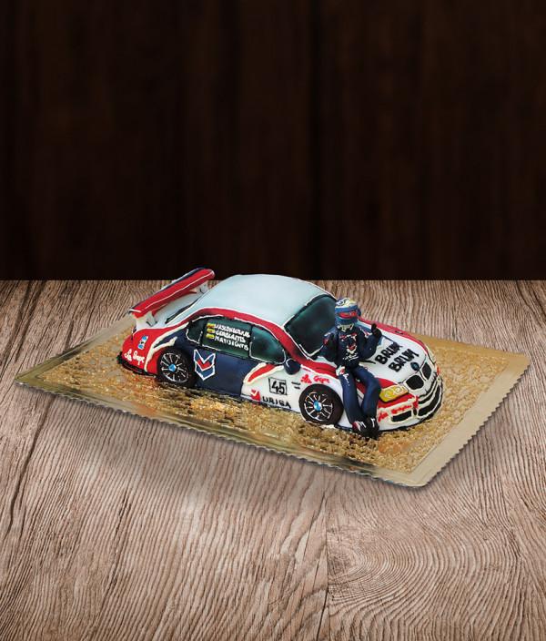 Tortas lenktyninis automobilis BMW