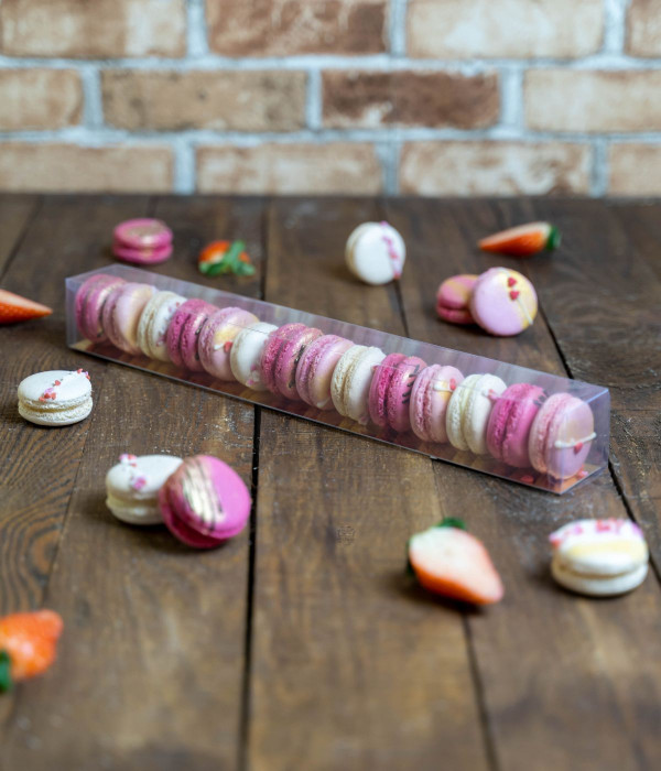 Sausainiai Makarūnai (Macarons) Valentino dėžutėje XL