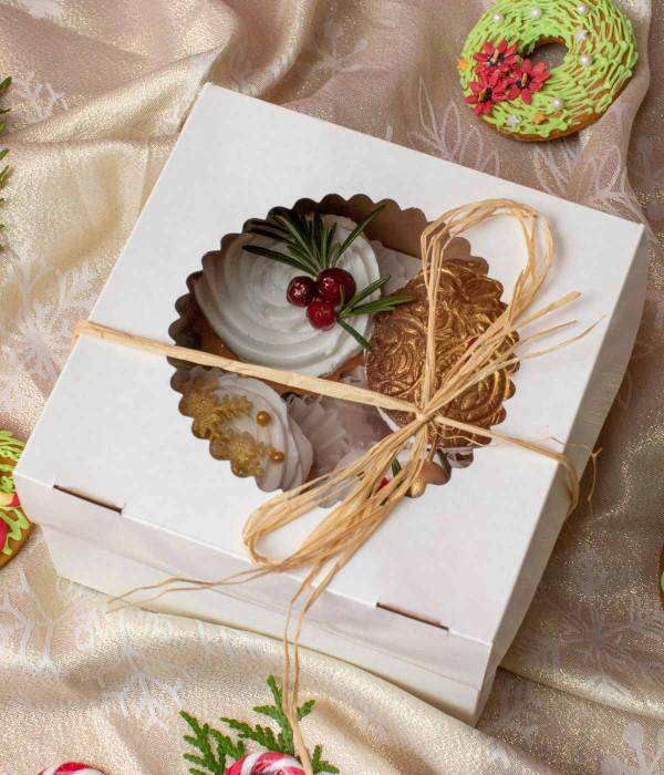 KALĖDINIAI keksiukai dėžutėje (4 vnt)